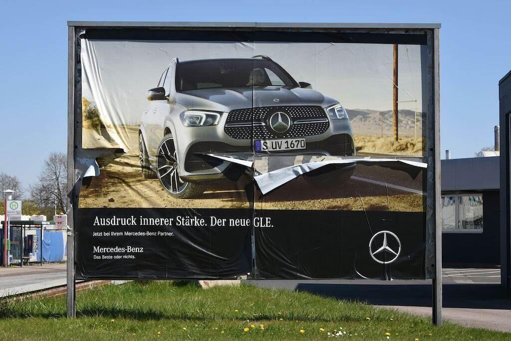 SUV-Plakat